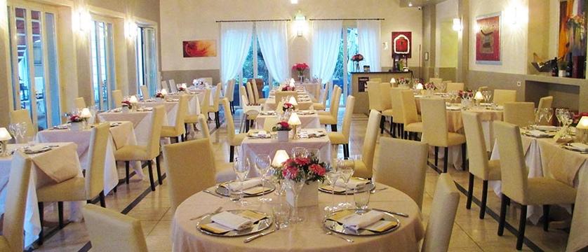Araba Fenice Restaurant.jpg
